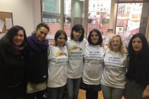 Imagen de integrantes de la Asociación Infancia Libre en su...