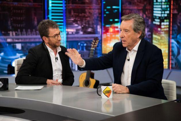 Pablo Motos e Iñaki Gabilondo en El Hormiguero en Antena 3, donde el periodista reveló que rechazó entrevistar a Enrique Iglesias por llegar tarde