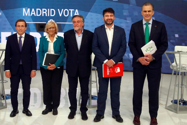 ¿Cuánto mide José Luis Martínez Almeida? - Altura real: 1,63 - Página 2 15586857367286