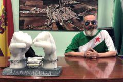 El alcalde de Marinaleda, Juan Manuel Sánchez Gordillo, en su despacho, durante una entrevista concedida a la agencia Efe.
