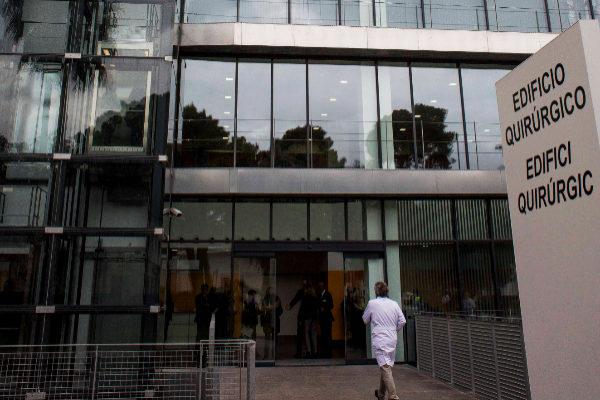 Entrada al bloque quirúrgico del Hospital General de Valencia.