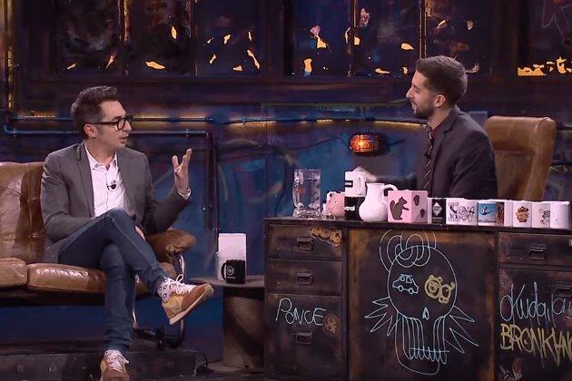 Berto Romero y David Broncano en La Resistencia en Movistar+, donde contaron una anécdota sobre la circuncisión que vivieron en la embajada de Polonia