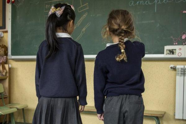 Las alumnas de un concertado piden llevar pantalón