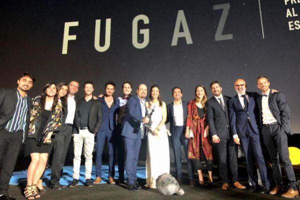 Miembros del equipo que ha participado en el corto, tras recoger el galardón en Madrid.