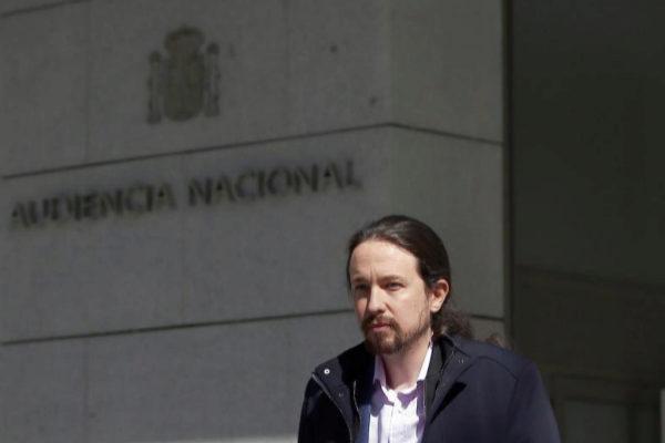 El juez desvincula la financiación de Podemos del 'caso Villarejo' y rechaza citar a ex cargos chavistas