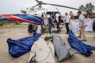 Segundo día de atasco en el Everest: otros cuatro escaladores muertos