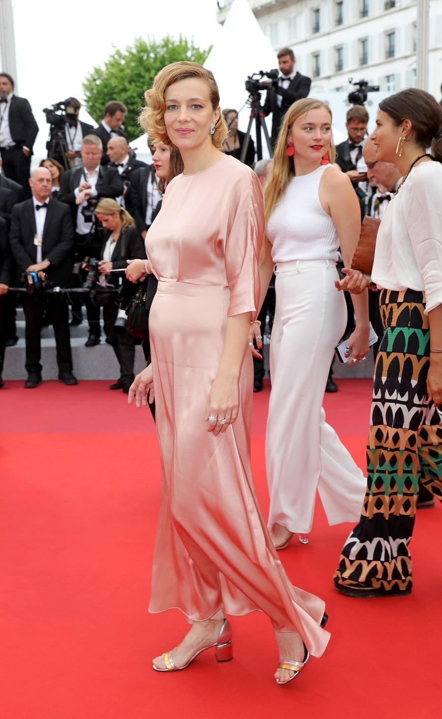 Celine Sallette - Alfombra roja de Sibyl en Cannes 2019
