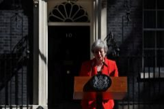 Theresa May durante el anuncio de su dimisión.