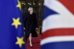 Theresa May y sus tres años sobre el volcán del Brexit