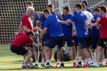 """Parejo: """"Parece que venimos como motos y el Barça a tirar la Copa, y no es así"""""""