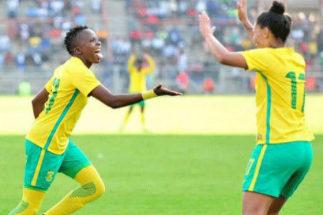 Las jugadoras de Sudáfrica celebran un gol.