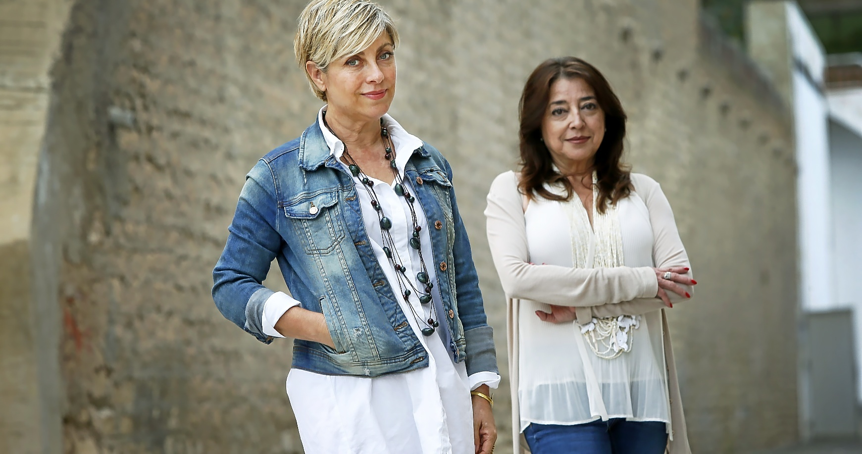 Gertrud Gómez y Cati Rodríguez, en el patio de Cigarreras, ambas fueron las responsables en distintas etapas de gestionar este centro cultural.
