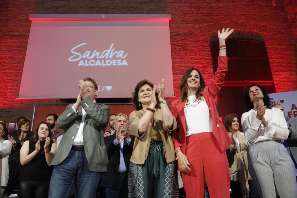 Sandra Gómez junto a Carmen Calvo y Ximo Puig en el cierre de campaña en Valencia.