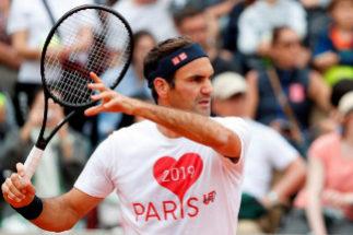 Federer y Muguruza levantan el telón en París