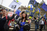 Mujer en una manifestación en contra del Brexit en Birmingham/ Foto: GETTYIMAGES