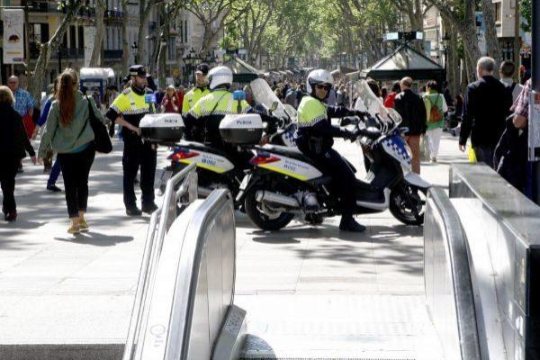 Patrulla de la Guardia Urbana en la Rambla de Barcelona