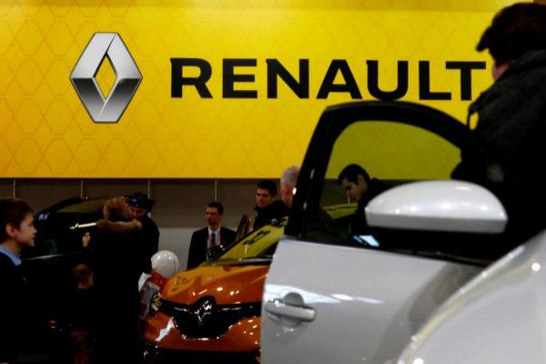 Un modelo de Renault en una feria del auto en Riga.
