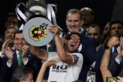 El Valencia conquista su octava Copa y profundiza en la herida del Barcelona