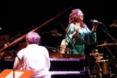 La cantaora Marina Heredia y el pianista Dorantes en un momento de su actuación.