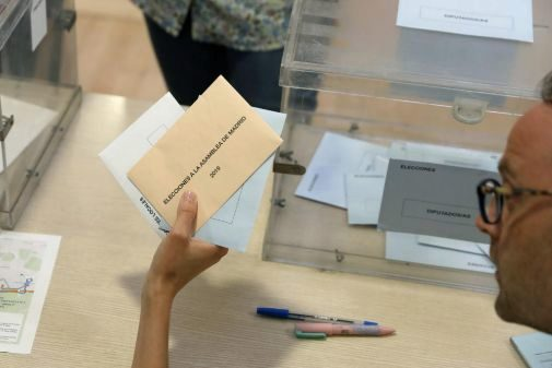 Mesa electoral en la Comunidad de Madrid.