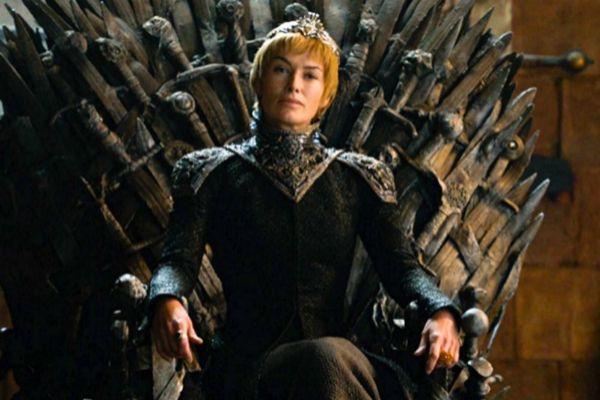 Lena Headey interpretando a Cersei Lannister en un capítulo de Juego de Tronos.
