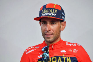 Como (Italy).- Italian rider Vincenzo <HIT>Nibali</HIT> of the Bahrain Merida team reacts after the 15th stage of the 102nd Giro d'Italia cycling race over 232km from Ivrea to Como, Italy, 26 May 2019. (Ciclismo, Bahrein, Italia) EPA/