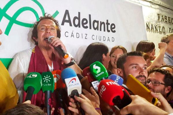 José María González 'Kichi' celebra los resultados de Cádiz.