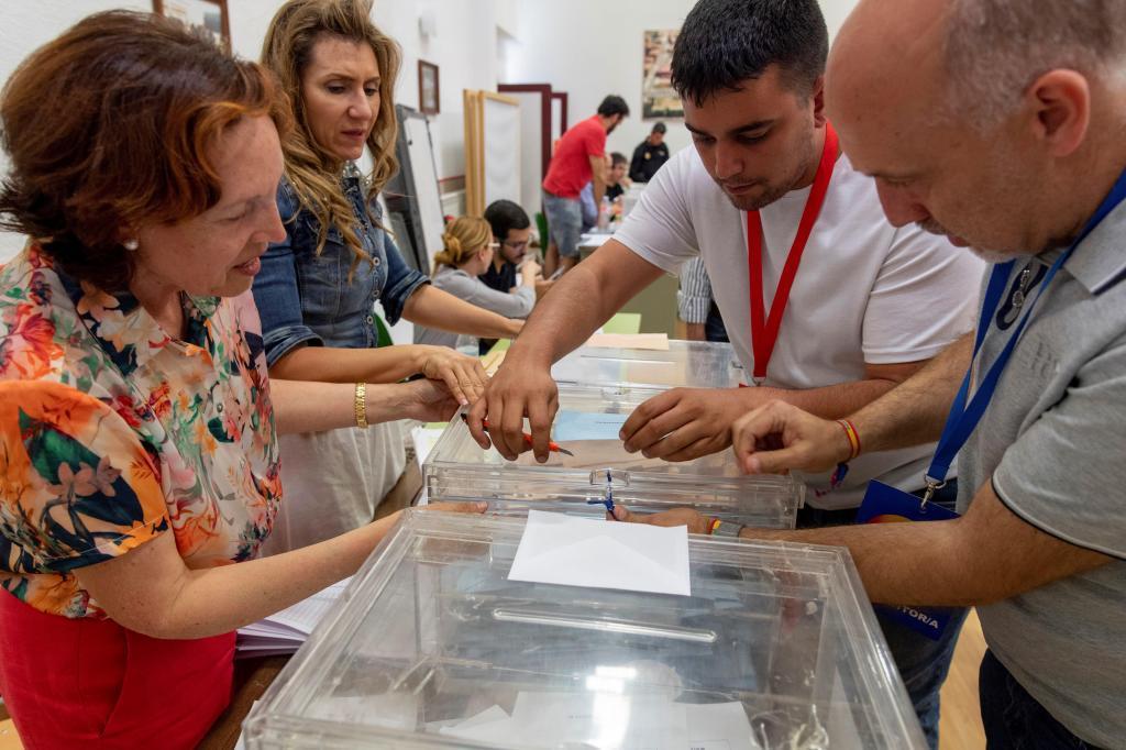 Cierre de los colegios electorales