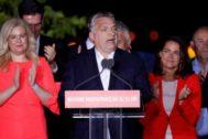 El primer ministro Viktor Orban se dirige a sus seguidores.