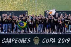 Valencia rinde honores al campeón