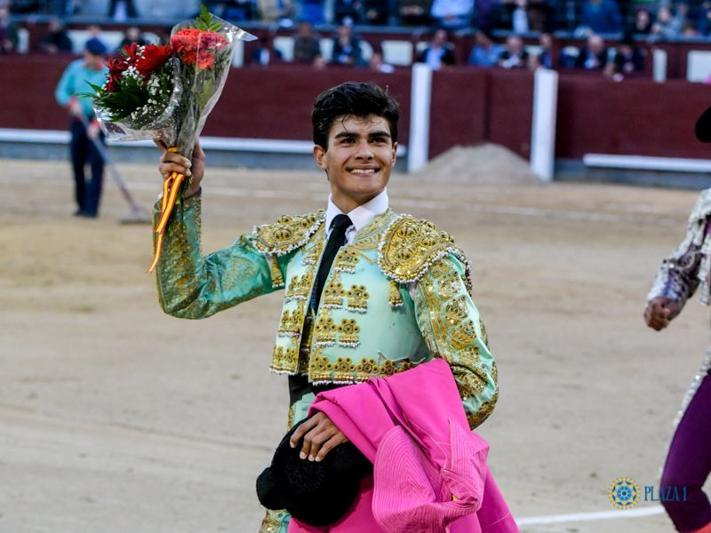 Francisco de Manuel cortó la primera oreja del año en Madrid