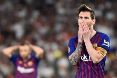 Messi, junto a Jordi Alba, en la derrota de la última final de Copa.