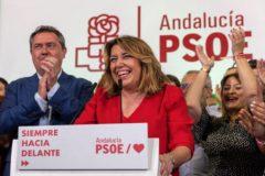 Susana Díaz celebra los resultados electorales junto al alcalde de Sevilla, Juan Espadas.