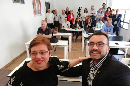 Sabina Escrig y José Benlloch, este lunes, en la despedida de la primera.