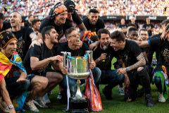 Los jugadores del Valencia, en plena celebración de la Copa-