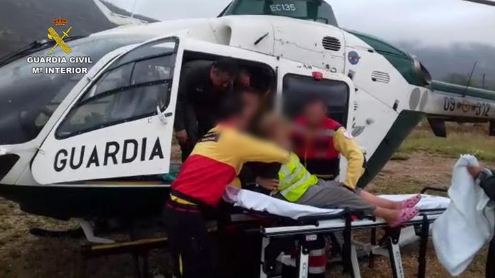 El helicóptero que participó en el rescate de la mujer