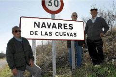 Vicente Robisco (centro), alcalde de Navares de las Cuevas, en una imagen de archivo de 2008.