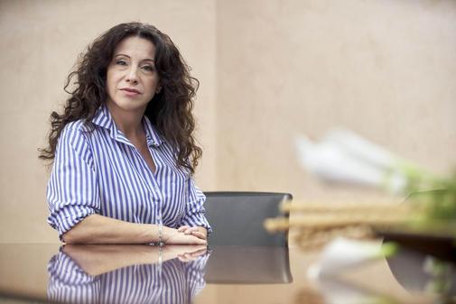 La consejera de Igualdad, Políticas Sociales y Conciliación de la Junta, Rocío Ruiz, en su despacho.
