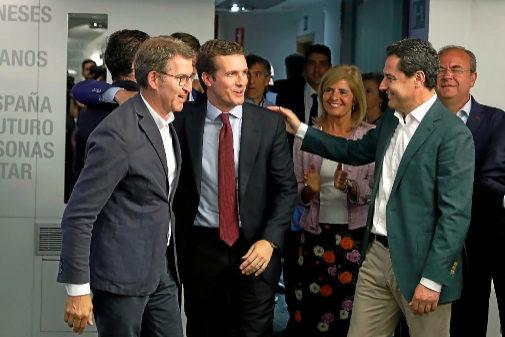 Pablo Casado junto a Juanma Moreno y Alberto Núñez Feijóo