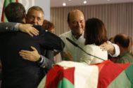 Celebración del triunfo electoral en la sede del PNV.