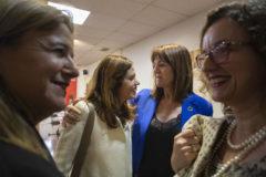 Mendia saluda a Etxebaria en presencia de Laespada y González.