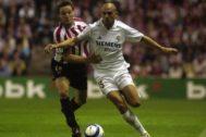 Raúl Bravo, en 2004, con el Real Madrid.