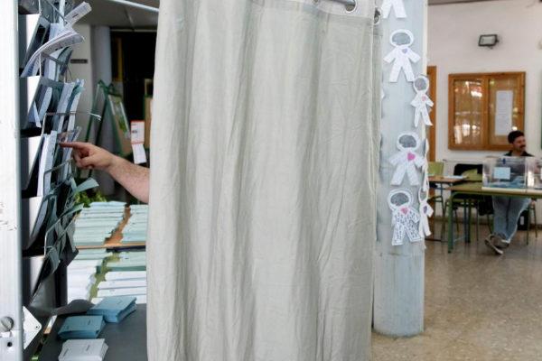 Cabina de votación en un colegio electoral el pasado domingo.