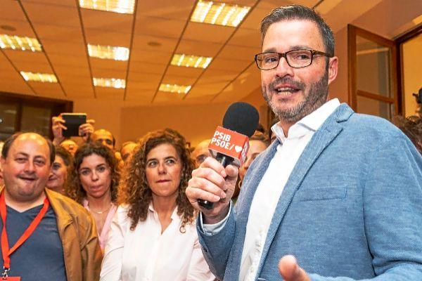 El secretario general de los socialistas de Palma y cabeza de lista a Cort, Jose Hila, en la sede de la formación el pasado domingo.