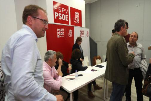 Ernest Blanch, secretario general del PSPV-PSOE de Castellón, en la sede del partido en la calle Carcagente.