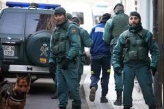 Momento de la detención de Igeratigi por la Guardia Civil.