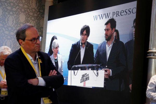 Quim Torra sigue la comparecencia de Puigdemont, el 26-M