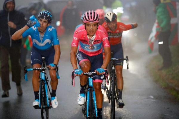 Mikel Landa, Carapaz y Nibali, en el ascenso al Mortirolo.