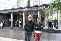 Nicolau y Macho a su salida del Juzgado de Vitoria.