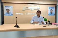 Carlos Mazón en la sede del PP esta campaña.